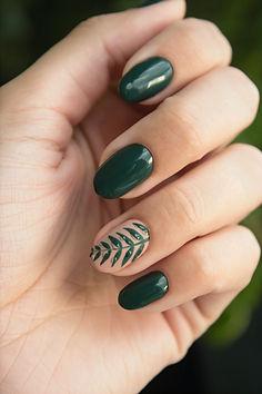 art-fingers-green-704815_edited.jpg