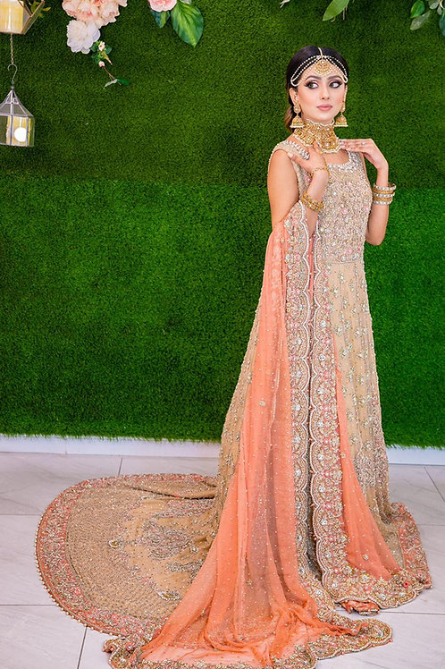 Light peach maxi with tail