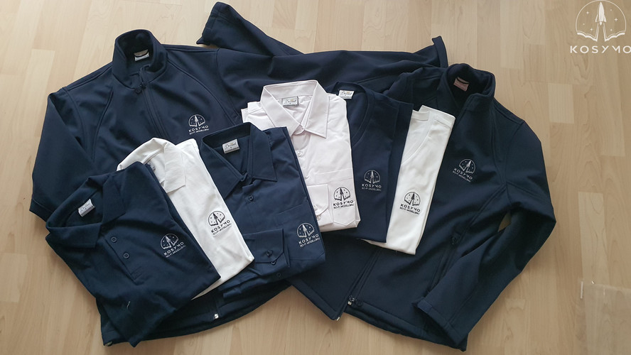 Stickerei Jacken, Hemden, T-Shirts und Polohemden.