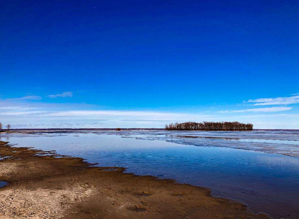 Ice fishing season is over on Oneida Lake as the ice melts.