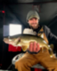 professionally guided ice fishing trips on Oneida Lake for walleye and perch