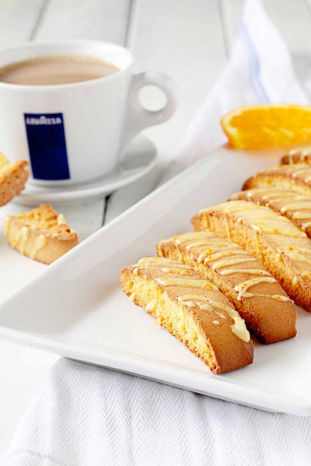 biscotti with orange liquor glaze | lavazza