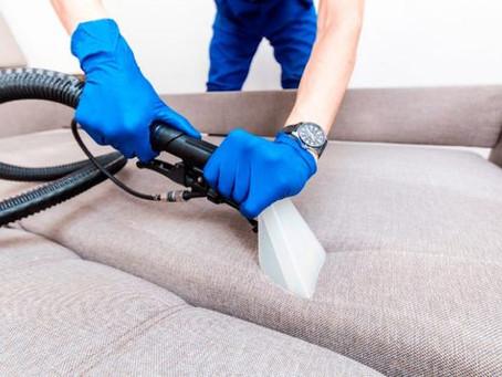 Quanto custa para limpar, lavar um sofá?