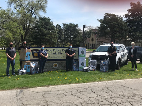 Car Seat Donation by Walmart and Toledo Police Foundation