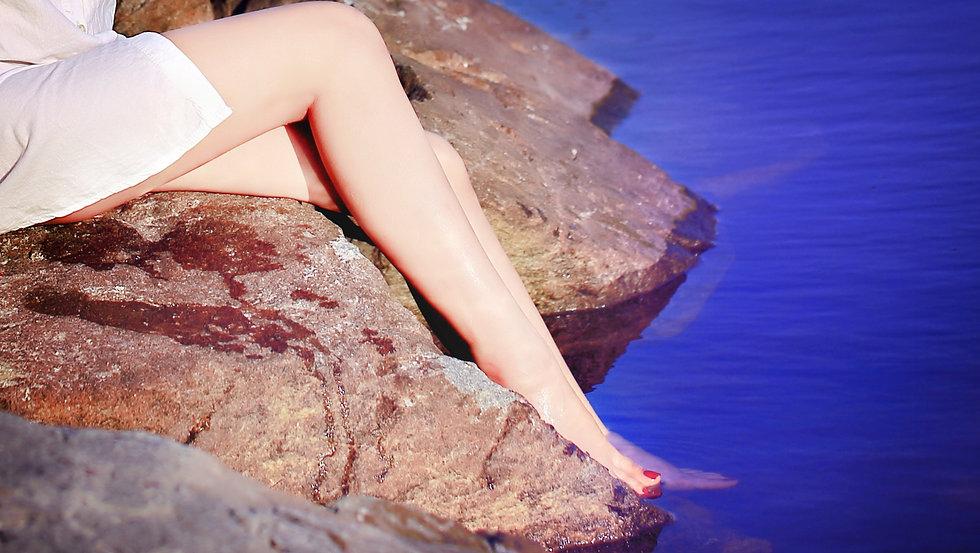 legs-1716821_1920.jpg