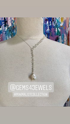 Minimalist Pearls and Silver necklace