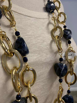 Chain necklace from the NYC Collection with Blue Sodalite
