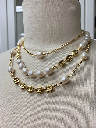 Layers of Pearls w Gucci like chain