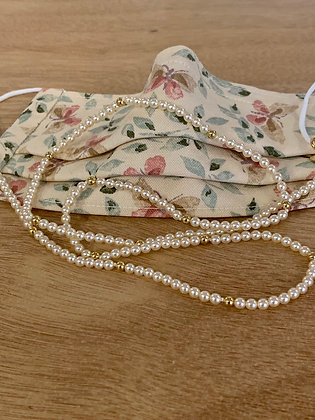 Pearl chain with butterflies mask