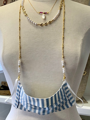 Mask chain holder with button pearls