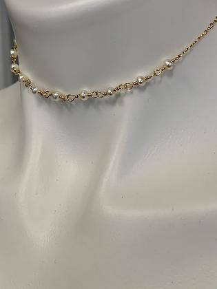 Pearls and chain choker