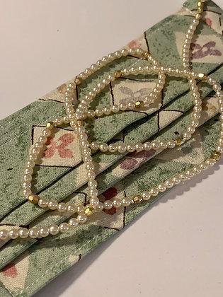 Mask chain holder, pearl chain holder