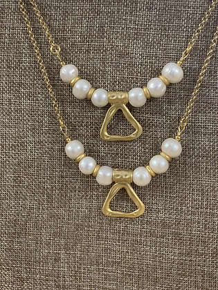 Pearls and brush gold