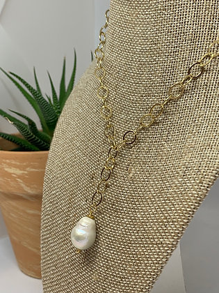 Minimalist Pearl Chain necklace