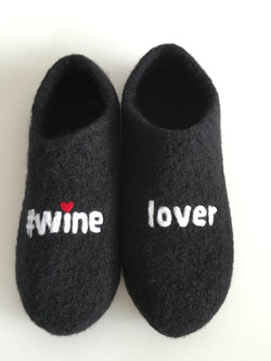 Winelover Clogs