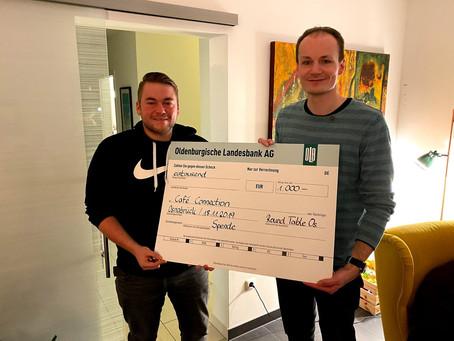 Der RT134 spendet 1.000€ an das Café Connection