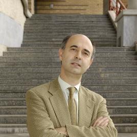 Professor Profile: José Corrêa Guedes
