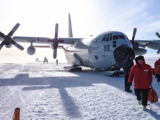 Ex. Military Pilot Claims Huge Opening in the Ice has been Discovered in the Antarctica