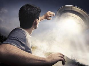 Ufologist Robert Dean Speaks on Planet X and Alien Beings Living on Earth