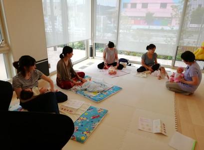 28日、富岡セキスイハイムでヨガ&ベビーマッサージを行いました。
