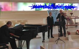 Aksel performed with violinist Arve Tellefsen in artist Carl Nesjar's funeral