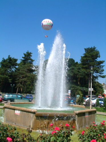 Bournemouth fountain balloon