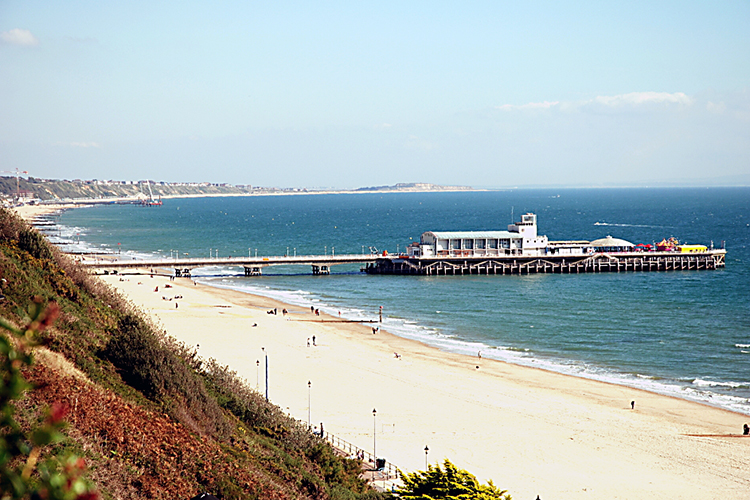 Bournemouth_West cliff_pier.jpg