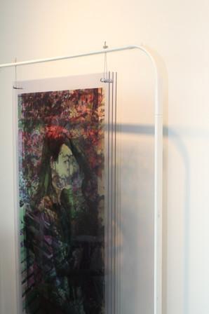 """Sie hatten bis jetzt in Berlin, Seoul und sogar in einem Zug in Russland Ausstellungen ausgestellt, die ironischerweise zeigten, dass ungewöhnliche Räume die Beteiligung der Öffentlichkeit und Engagement des Publikums ermutigen, was """"dipi"""" auch fördert."""