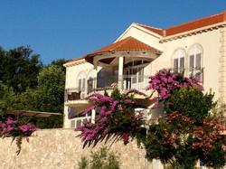 Villa Almadria Exterior