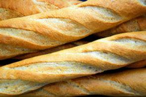 Baguette aus hellem Weizenmehl