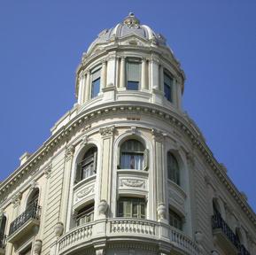 building in Barcelona.JPG
