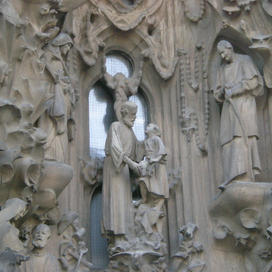 statues on the building in Barcelona.JPG