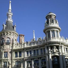 Barcelona building as seen from hoho.jpg