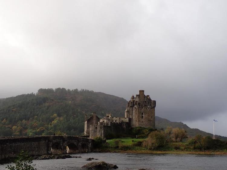 Eilean Donan Castle 2 in Scotland.jpg