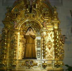 Cathedral alter to the virgin mary.JPG