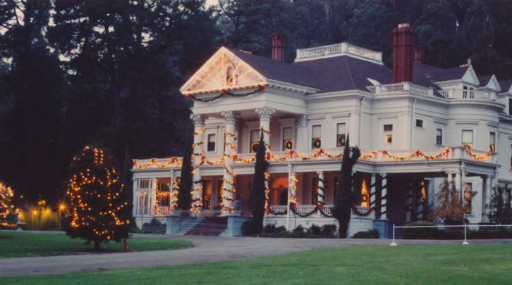 Historic Homes for the Holidays