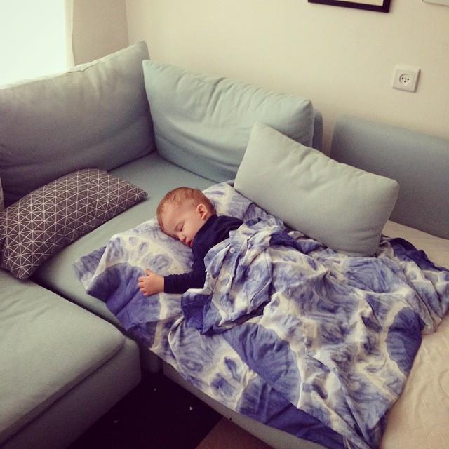 Facebook - אחרי לילה בלי שינה הוא סוף סוף ישן...jpg