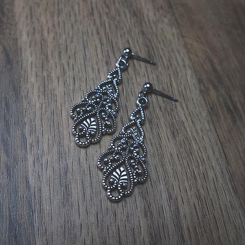amaris earrings