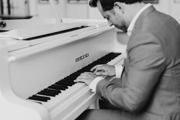 Pianist at the wedding in Helsinki, Mindaugas Neverovas