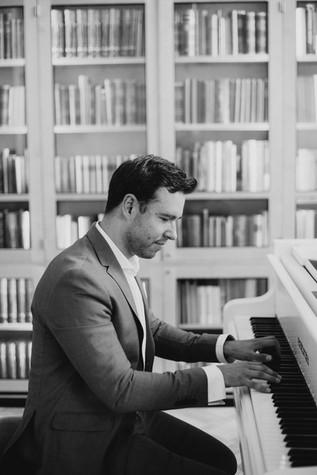 Pianist in Helsinki, Mindaugas Neverovas