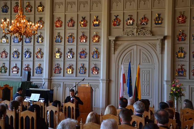 Pianisti ja sello Ritarihuoneessa Helsingissä Mindaugas Neverovas