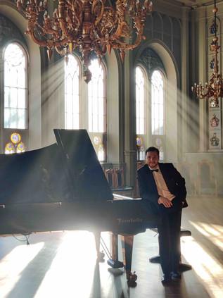 Pianisti häihin, syntymäpäiville Mindaugas Neverovas