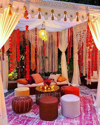 New Mehendi Decor trends this wedding se