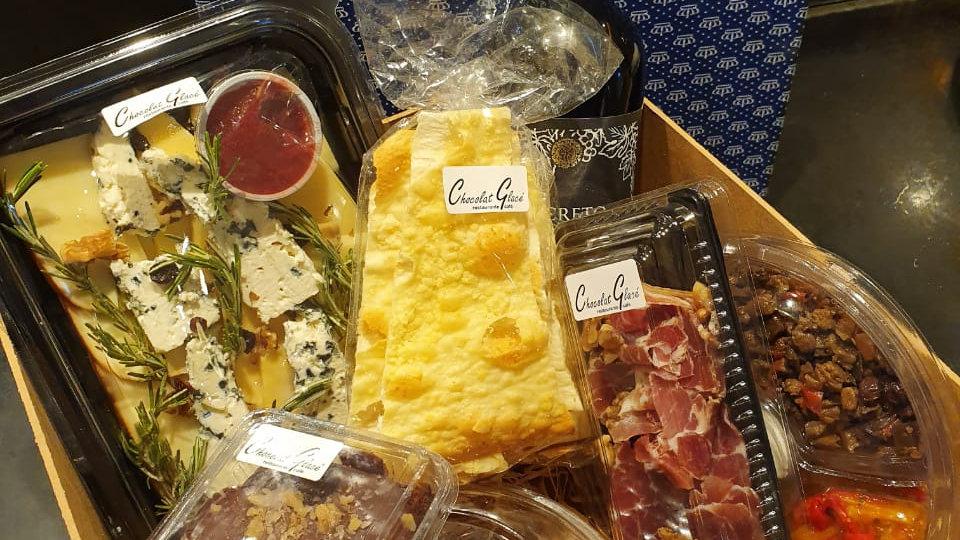 Caixa Gourmet (Antepastos e queijos)