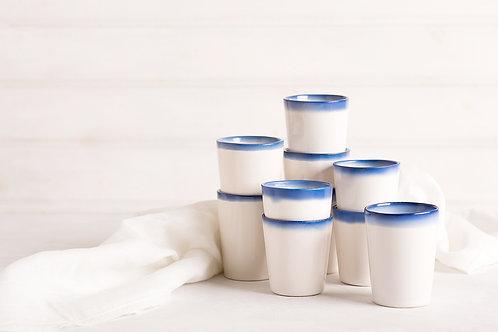 כוסות לבן כחול
