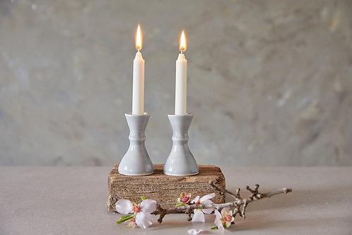 פמוטים מקרמיקה בעבודת יד, פמוטים בצבע לבן או אפור לנרות שבת, פמוטים אלגנטים