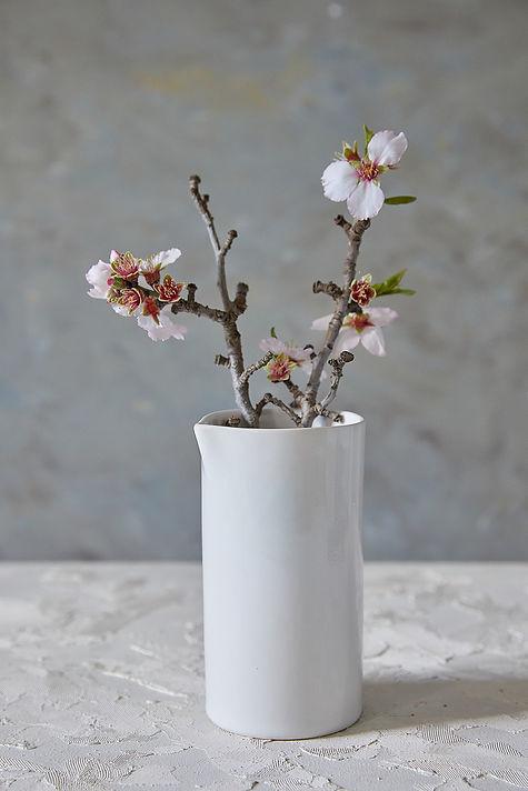 Modern White Ceramic Pitcher, Elegant Pottery Vessel, Stoneware Drinking Carafe, Ceramic Vase, Cold/Hot Drinks Pitcher, Water Pitcher