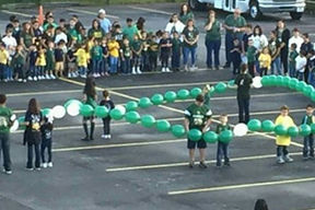 Living-Rosary-students-and-balloons.jpg