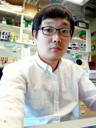 Yunpeng Zhang.jpg