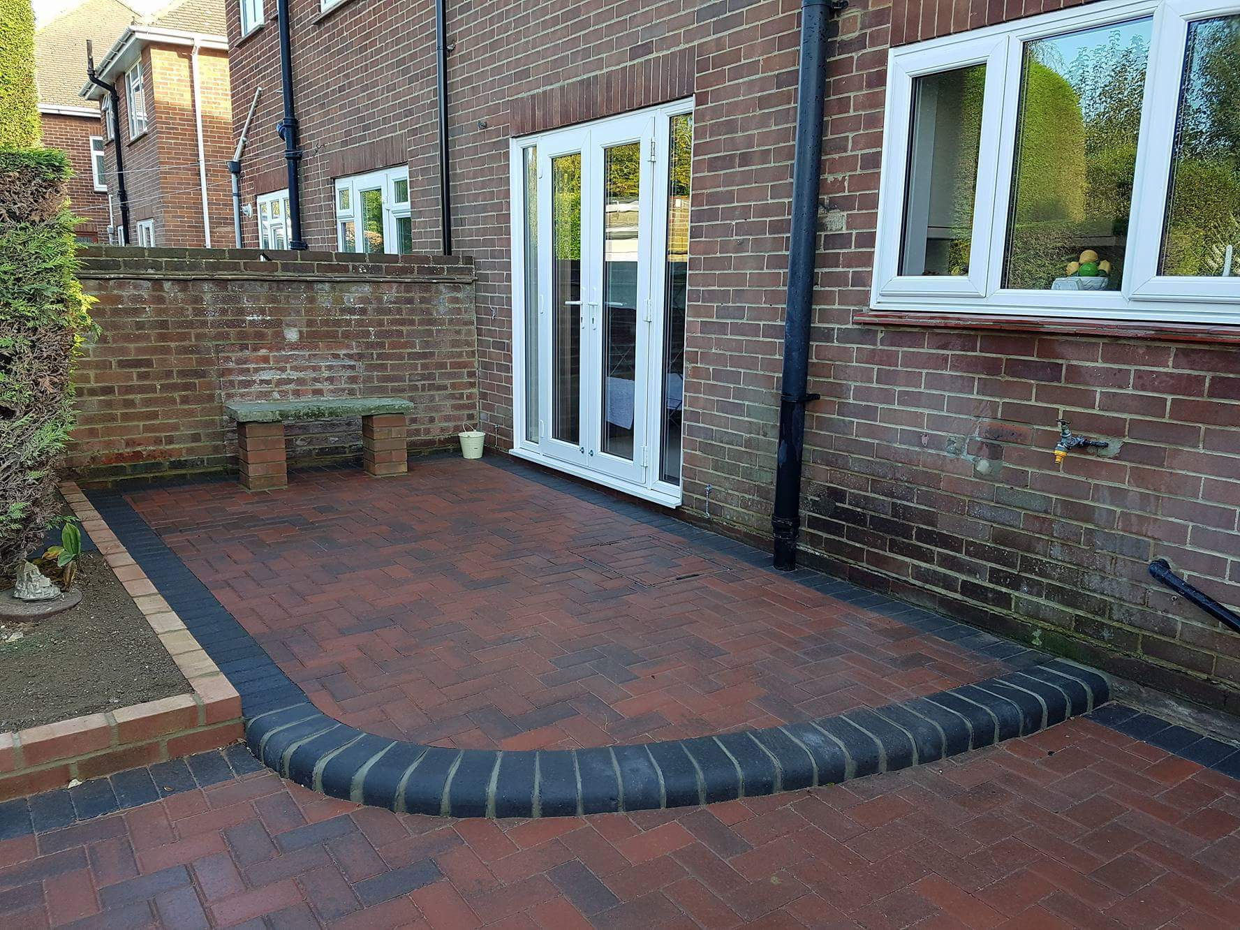 curved block paving patio